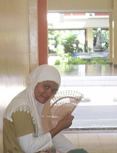 ini dia sutradara kelas kami, Waode Fadhilah Fitriah...